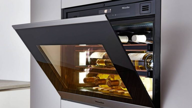 Miele presents entirely handleless kitchen